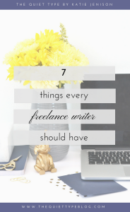 Check out these 7 tips for things freelance writers should have/should be doing to build their freelance business and connect with quality clients!
