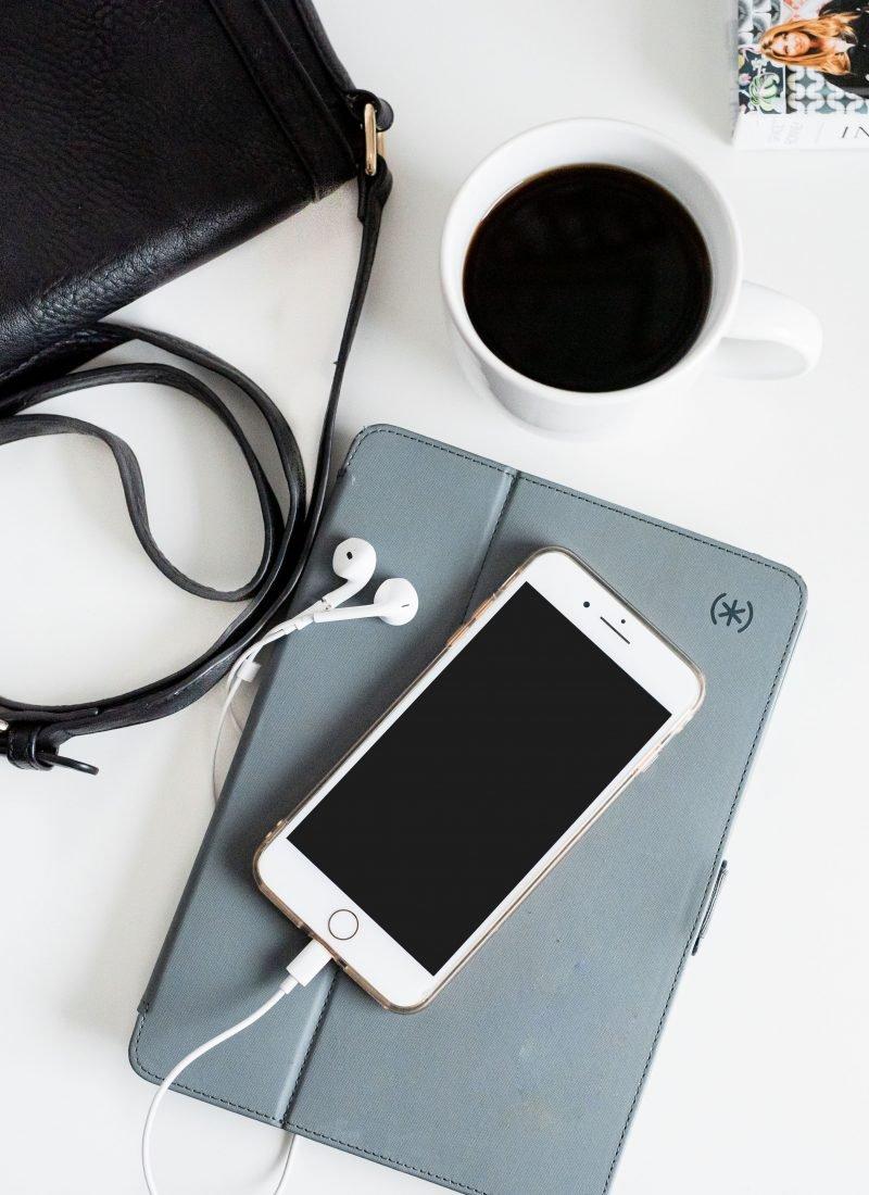 10 Facebook Groups for Freelance Writers & Creative Entrepreneurs
