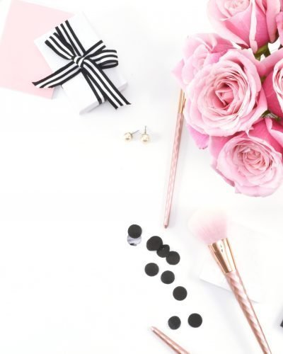 Click to read where to find styled stock photos for bloggers and how to incorporate them into your content and branding!