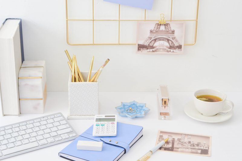 Start making money blogging with these tips to take a hobby blog to a money-making side hustle! #workfromhome #makemoneyblogging