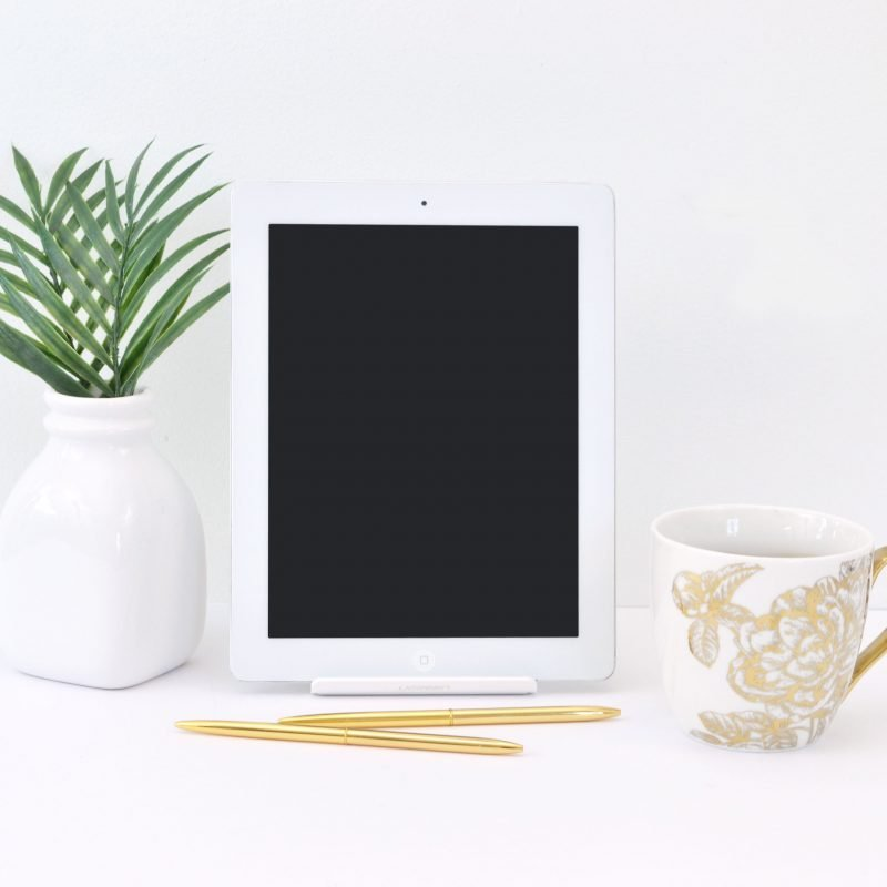Everything you need to know about The She Approach's Guide to Making Pinterest Possible. Is it worth the hype? Find out here! #PinterestTips