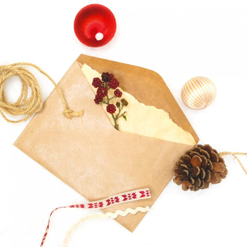5 tips for sending holiday cards to your freelance clients!